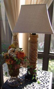 left urn lamp